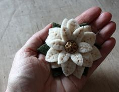 lil fish studios: Felt Poinsettia Brooch Tutorial