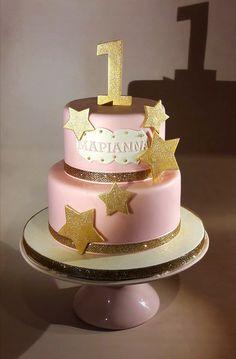 Twinkle twinkle little star first birthday cake.