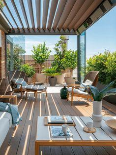 Décoration élégante pour un duplex avec terrasse à Barcelone - PLANETE DECO a homes world Terrace Decor, Terrace Garden Design, Rooftop Design, Backyard Patio Designs, Terrace Ideas, Balkon Design, Design Exterior, Rooftop Patio, Duplex