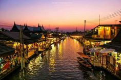 Amphawa Floating market , Unseen Thailand