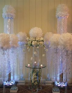 Feathers center piece #centerpiece #weddingdecorations