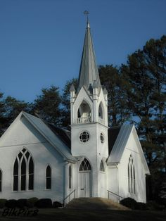 Tennessee ~ Church (NO MATTER WHAT CHURCH YOU ATTEND) is SERIOUS BINNESS in da South!!!!