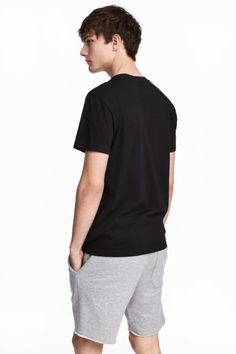 T-shirt z okrągłym dekoltem - Czarny - ON | H&M PL 1