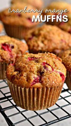 Pound Cake Recipes, Muffin Recipes, Breakfast Recipes, Dessert Recipes, Bread Recipes, Delicious Desserts, Yummy Food, Tasty, Cranberry Orange Muffins