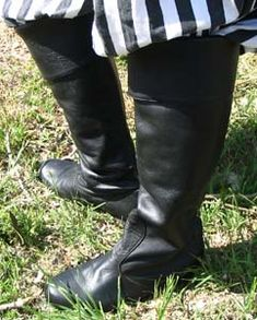 When only the finest, most comfortable #leather #boots will do, slip on our #Lancelot knee boots! Designed with all day wear in mind, the comfort sole keeps your feet feeling fabulous whether you're walking around the #Renaissance faire, or performing at one! Perfect for day...or #knight! ;) http://www.pearsonsrenaissanceshoppe.com/lancelot-knee-boot.html
