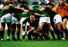 Joost Van Der Westhuizen passes out of the scrum during the Rugby World Cup match between Australia and South Africa on May 1995 in Newlands, Cape Town, South Africa. South Africa won the match (Gallo Images) Rugby Memes, Rugby Quotes, Springbok Rugby Players, Best Rugby Player, Rugby Pictures, South Africa Rugby, World Cup Match, Australian Football, Rugby World Cup