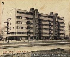 Léon Stynen, appartementsgebouw Elsdonck, Prins Boudewijnlaan in Antwerpen (Wilrijk) (1933). photo credit: Architectuurarchief Provincie Antwerpen, found on the website: http://www.debalansvanbraem.be