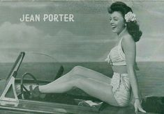 1940s Hollywood Spotlight by Sew Something Vintage, via Flickr