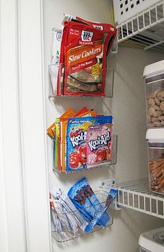 Packet holders - make the most of the dead space on the walls Rv Storage, Storage Organization, Diy Kitchen Storage, Organizing Tips, Extra Storage, Kitchen Cabinet Organization, Cleaning Tips, Storage Ideas, Door Storage