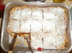 Great recipe for Sweet pumpkin pie A recipe for a sweet pumpkin pie that makes a difference in the taste! Recipe by annouk Greek Sweets, Greek Desserts, Fall Desserts, Greek Recipes, Cookie Recipes, Dessert Recipes, Sweet Pie, Appetisers, Tray Bakes