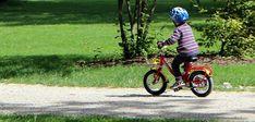 Vous pouvez utiliser ces jeux de vélo comme une occasion de rappeler à vos enfants les habitudes en matière de sécurité, telles que le port d'un casque...