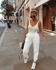 Jogger Outfits jogger life 4 eva pre orders for the sold out Jogger Outfits. Here is Jogger Outfits for you. Cute Comfy Outfits, Trendy Outfits, Sporty Summer Outfits, Outfit Summer, Winter Outfits, Mode Outfits, Fashion Outfits, Airport Outfits, Cute Airport Outfit