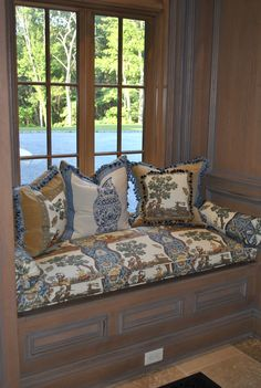 The Enchanted Home...custom pillows, cushion fabric from Brunschig and Fils!