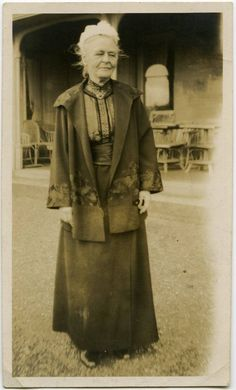 Charlotte Despard: Women's rights was only one of many causes she supported. They included Sinn Fein and Communism! These website is very interesting: http://www.wcml.org.uk/our-collections/activists/charlotte-despard/ http://www.rte.ie/news/galleries/2014/0328/605105-cumann-na-mban/