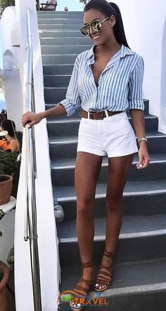 Tendances mode t 2019 bijoux fantaisie mode tendances mode printemps ete 2019 chez zara mango asos topshop urban outfitters massimo dutti bershka pull bear cluse streetstyle summer streetstyle tenue du jour look of the day cutest white summer dress Stylish Summer Outfits, Summer Shorts Outfits, Spring Outfits, Casual Outfits, Outfits With White Shorts, White Short Outfits, Shorts Outfits Women, Summer Outfits For Vacation, Summer Clothes For Women