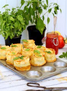 Lasagnemuffins   Fridas Bakblogg   Alltommat Gnocchi, Amazing Food Decoration, Tapas, Brunch Appetizers, Gluten Free Lasagna, Good Food, Yummy Food, Swedish Recipes, Happy Foods