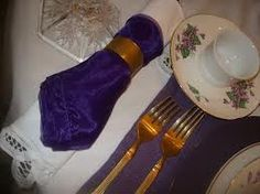 Google Image Result for http://i48.photobucket.com/albums/f249/Dreamgoddess555/Shades%2520of%2520Purple%2520and%2520White%2520Tablesetting/SANY7573.jpg