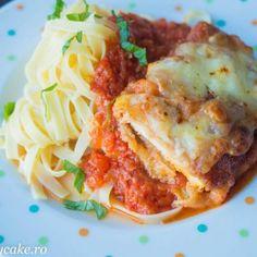Pui parmigiana cu paste Chicken Parmigiana, What To Cook, Mozzarella, Lasagna, Nutella, Spaghetti, Pasta, Dinner, Cooking