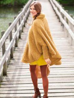 Der warme und kuschelige Poncho mit Rollkragen ist ein wunderbarer Begleiter für kalte Herbsttage. Hier finden Sie unsere kostenlose Strickanleitung.