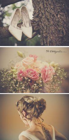 Cada detalles de tu boda tiene que ser especial. Casamientos en Argentina. Zapatos, ramo y peinado de novia.  #boda #casamientos #DestinationWedding 54fotografia.com