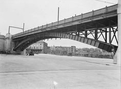 The tramway bridge at the Sydney Harbour Bridge.Milson's Point Railway Station would be behind photographer and Milson's Point Tramway Station over the photographer's right shoulder.Looking north.    🌹