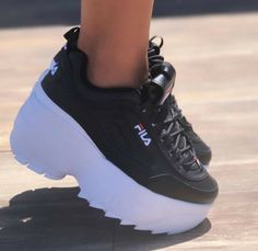 Fila Disruptor 2 Wedge Wmn Black Women's Shoes Black Black Rubber White Platform - Women's Shoes - Ideas of W White Nike Shoes, Nike Air Shoes, Fancy Shoes, Trendy Shoes, Girls Sneakers, Girls Shoes, Fashion Boots, Sneakers Fashion, Sock Shoes