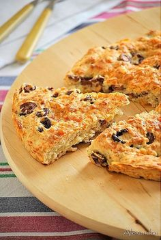 More like a scone. Made with self-rising flour. Gourmet Recipes, Snack Recipes, Cooking Recipes, Snacks, Greek Bread, Greek Sweets, Greek Cooking, Bread And Pastries, Greek Recipes