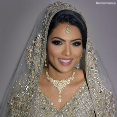 Pakistani Bridal Makeup, Indian Bridal Makeup, Pakistani images ideas from Beautiful Makeup Photos Pakistani Bridal Makeup, Indian Wedding Makeup, Wedding Makeup Tips, Indian Bridal Makeup, Bridal Makeup Looks, Bride Makeup, Asian Bridal, Bridal Beauty, Makeup For Small Eyes