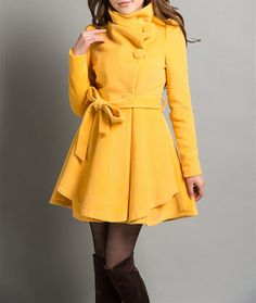 Yellow Coat!!! LOVE!  Someday I will have a yellow coat!