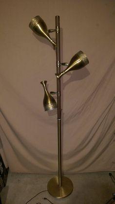 Vtg.Floor Lamp,3 adjustable lights,wood grain,brass,filagree,works,gd cnd.Decor! Desk Lamp, Table Lamp, Lamps For Sale, Antiques For Sale, Cnd, Wood Grain, Floor Lamp, Brass, Lights