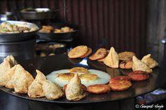Samosa and AlooTikki : Street food @ Chandni Chowk, Delhi by gh_photos, via Flickr