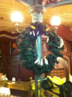 Best Christmas Wreath ever... must remember this for next year.