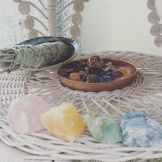 My daily necessities ✨✨ #crystals #calcite #quartz #sage #crystalgrid #essentialsforliving