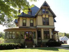 1890 Victorian: Queen Anne - 1000 Main Street Brockway, PA 15824 in Brockway, Pennsylvania - OldHouses.com