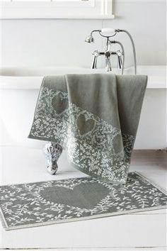 Grey Heart Bath Linen Towel and Bath Matt Grey Bath Towels, Linen Towels, Grey Baths, Girls Sportswear, Cosy House, Big Bathrooms, Bath Linens, Gray Bedroom, Bedroom Accessories