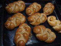 Žemličky a pletenky z jedného prameňa fotopostupy Sausage, Muffin, Meat, Breakfast, Food, Morning Coffee, Sausages, Essen, Muffins