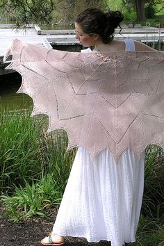 Free Pattern: Camila Flower Petal Shawl