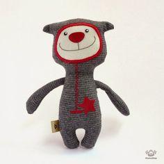 Maďarka Andrea Pucsok  šije pod značkou MumuShop sympatické panenky, králíky a medvědy. Tematicky jsou to nejčastěji postavičky z oblíbených...