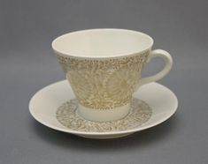 Tuotteet | Astiataivas.fi - Vanhojen astioiden ystävien löytöpaikka Tea Cups, Coffee Cups, Kitchenware, Tableware, Lakes, Finland, China, Ceramics, Dishes