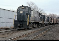 Framingham, MA. Penn Central Railroad. November, 1972. RailPictures.Net Photo: NH 2554 Penn Central Alco C425 at west end of New Haven Yard, Framingham, Massachusetts by Donald Haskel. This all ex New Haven power is ready to head to Framingham and then Lowell to connect with the Boston and Maine.