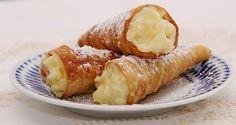 Suaves y crocantes conos rellenos de crema pastelera