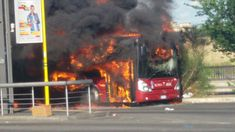#Atac - Qualcuno parla di sabotaggio... Gli autobus prendono fuoco? Sabotaggio! Ma che stai a di? Girano voci insistenti - ne ho pubblicate alcune - su possibili sabotaggi atti a screditare l'attuale Amministrazione Comunale - Direi che po #atac #roma #trasportopubblico