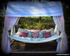 evevaattori: Lukutoukan pesä! Outdoor Furniture, Outdoor Decor, Bed, Home Decor, Weights, Decoration Home, Stream Bed, Room Decor, Beds