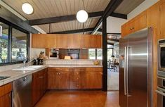 See beautiful pictures of Mid century modern kitchen cabinets. Select the desired option of Mid century modern kitchen cabinets and do a redesign of its premises. Modern Kitchen Cabinets, Modern Kitchen Design, Modern House Design, Kitchen Island, Wood Cabinets, Mid Century Modern Kitchen, Mid Century Modern Design, Mid Century Decor, Mid Century House