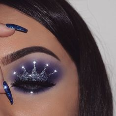 """WEBSTA @ nasiabelli - Inspired by the talented @gabxxrielle ❤Original creator the gorgeous @marissamelhornQueen@smoldercosmetics radiant glitter in """"sultry"""" mixed with @nyxcosmetics @nyxcosmetics_greece face and body glitter in """"silver""""@morphebrushes Picasso palette@houseoflashes """"starlet"""" lashes@anastasiabeverlyhills brow powder duo browwiz in dark brown@tartecosmetics shape tape contour concealer in """"light-medium""""@ttdeye """"euramerican green-grey"""" lens use code """"nasiabelli"""" for Inspi..."""