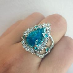Empress Ring in Paraiba Tourmaline and Diamond ring in platinum Jewelry For Her, Gems Jewelry, Diamond Jewelry, Jewelry Accessories, Fine Jewelry, Jewelry Design, Tourmaline Jewelry, Ring Designs, Jewelry Collection