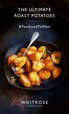 Roast potatoes : Perfectly crisp and fluffy roast potatoes Beef Recipes, Vegetarian Recipes, Cooking Recipes, Healthy Recipes, Vegetarian Roast Dinner, Christmas Food Gifts, Xmas Food, Christmas Parties, Waitrose Food