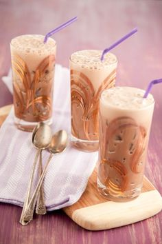 iced mocha;  Ingredients   3 cups strong brewed coffee, chilled  1 tablespoon prepared chocolate sauce  1 tablespoon brown sugar  2 cups chocolate milk  Ice cubes  Directions  Combine all the ingredients, except the ice, in a blender and process until frothy. Pour over ice filled glasses and serve.