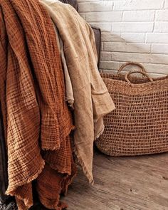 Earthy red and rusty color palette, red fabric. Autumn Aesthetic, Brown Aesthetic, Color Terracota, Pijamas Women, Textiles, Home Interior, Cheap Home Decor, Color Inspiration, Earthy