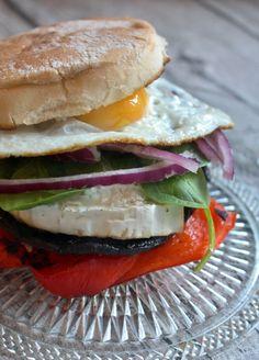 Receta: Hamburguesas vegetarianas. Hongos, queso de cabra, pimiento colorado.